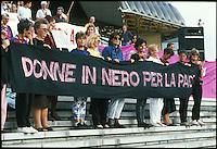 manifestazione per la pace,donne in nero, Novi Sad, 1992