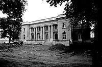 Le Maire Jean Drapeau<br /> visite la Chateau Dufresne en renovation, 17 Juin 1976<br /> <br /> PHOTO : Agence Quebec Presse