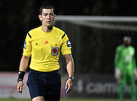 BOGOTÁ -COLOMBIA, 28-08-2016. Andres Rojas, arbitro, durante partido entre Independiente Santa Fe y Millonarios por la fecha 1o de la Liga Aguila II 2016 jugado en el estadio Metropolitano de Techo de la ciudad de Bogota. / Andres Rojas, referee, during match between Independiente Santa Fe and Millonarios for the date 10 of the Liga Aguila II 2016 played at the Metropolitano de Techo Stadium in Bogota city. Photo: VizzorImage/ Gabriel Aponte / Staff