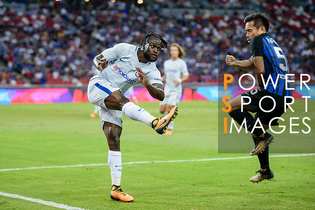 Chelsea Midfielder Victor Moses (L) in action during the International Champions Cup 2017 match between FC Internazionale and Chelsea FC on July 29, 2017 in Singapore. Photo by Weixiang Lim / Power Sport Images