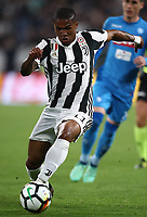 Calcio, Serie A: Juventus - Napoli, Torino, Allianz Stadium, 22 aprile, 2018.<br /> Juventus' Douglas Costa in action during the Italian Serie A football match between Juventus and Napoli at Torino's Allianz stadium, April 22, 2018.<br /> UPDATE IMAGES PRESS/Isabella Bonotto