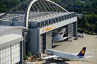 GERMANY Hamburg airport, Lufthansa Technik, maintainance and service of aircrafts / Deutschland Hamburg, Lufthansa Technik am Flughafen Fuhlsbuettel, Wartung und Service von Flugzeugen