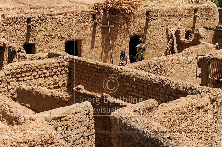 MALI, Bandiagara , clay buildings