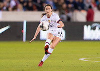 HOUSTON, TX - JANUARY 31: Andi Sullivan #6 of the United States crosses the ball during a game between Panama and USWNT at BBVA Stadium on January 31, 2020 in Houston, Texas.
