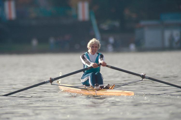 Rowing, Masters woman rowing in regatta competition, Louanne Hussman, Lake Washington Rowing Club, Greenlake, Seattle, Washington State, Pacific Northwest,