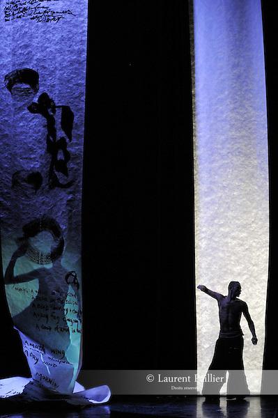 WHAT DID YOU SAY....Choregraphie : BOUCHELAGHEM Brahim..Compagnie : Compagnie Zahrbat..Decor : BONNOT Philippe..Lumiere : CHAMBION Philippe..Costumes : NOBLE Aurélie BOUCHELAGHEM Brahim..Avec :..BOUCHELAGHEM Brahim....Avec :..CARLSON Carolyn:poemes calligraphies voix..BONNOT Philippe:Video..Lieu : Theatre Jean Vilar Suresnes..Cadre : Suresnes Cites Danse..Ville : Suresnes..Le : 07 01 2010..© Laurent PAILLIER / photosdedanse.com..All rights reserved