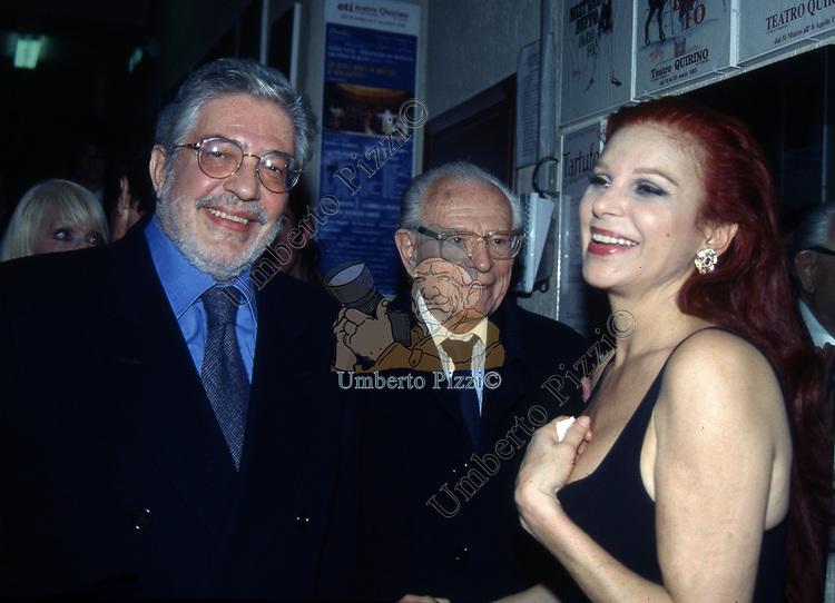 MILVA CON ETTORE SCOLA E GIOVANNI BOLLEA<br /> RECITAL TEATRO QUIRINO ROMA 1997