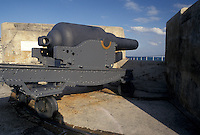 fort, Bermuda, St. George's Parish, Cannon on the ramparts of Fort St. Catherine overlooking the Atlantic Ocean in St George in Bermuda.