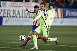 Atletico de Madrid´s Gabi (B) and Barcelona´s Neymar Jr during Copa del Rey `Spanish King Cup´ soccer match at Vicente Calderon stadium in Madrid, Spain. January 28, 2015. (ALTERPHOTOS/Victor Blanco)