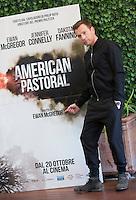 L'attore scozzese Ewan McGregor posa durante un photocall per la presentazione del film 'American Pastoral' a Roma, 3 ottobre 2016.<br /> Scottish actor Ewan McGregor poses during a photocall for the presentation of the movie 'American Pastoral' in Rome, 3 October 2016.<br /> UPDATE IMAGES PRESS/Riccardo De Luca