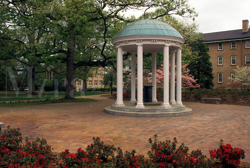 Chapel Hill, well, UNC, NC, North Carolina, Old Well on the campus of the University of North Carolina in Chapel Hill.