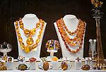 Croatia, Istria, Porec: shop window with amber jewellery (jewelry) | Kroatien, Istrien, Porec: Schaufenster eines Juweliergeschaefts mit Bernsteinschmuck