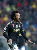 Calcio, Serie A: Frosinone vs Juventus. Frosinone, stadio Comunale, 7 febbraio 2016.<br /> Juventus' Juan Cuadrado celebrates after scoring during the Italian Serie A football match between Frosinone and Juventus at Frosinone's Comunale stadium, 7 January 2016.<br /> UPDATE IMAGES PRESS/Isabella Bonotto