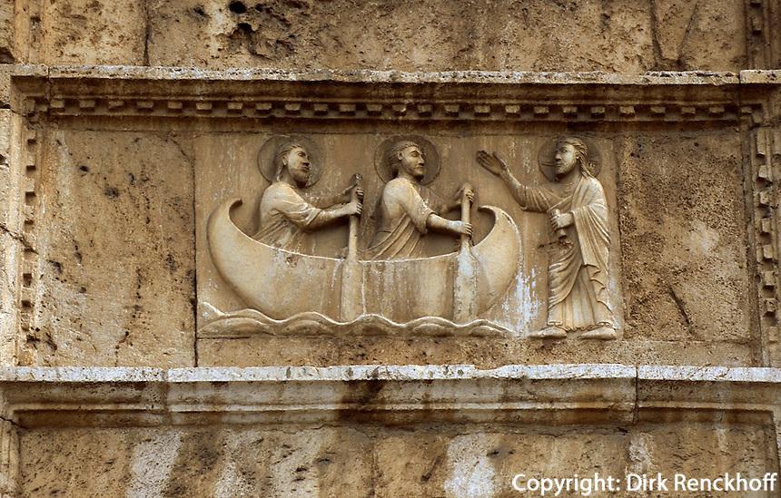 Italien, Umbrien, Fassade von San Pietro fuori le Mura in Spoleto, 13. Jh.