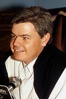 Darren Roodt<br /> au Festival Des Films du Monde<br /> 1988 (date exacte inconnue)<br /> <br /> PHOTO : Agence Quebec Presse