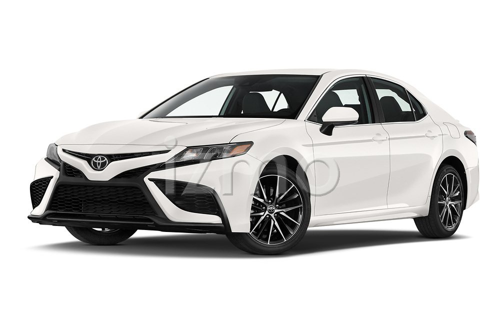 Stock pictures of low aggressive front three quarter view of 2021 Toyota Camry SE 4 Door Sedan Low Aggressive