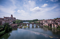race start over the Vieux Pont in Albi<br />