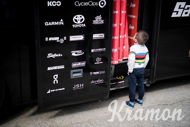 """Hello. My name is Alejandro... can I come in?""<br /> <br /> Stage 15: Tineo to Santuario del Acebo (154km)<br /> La Vuelta 2019<br /> <br /> ©kramon"