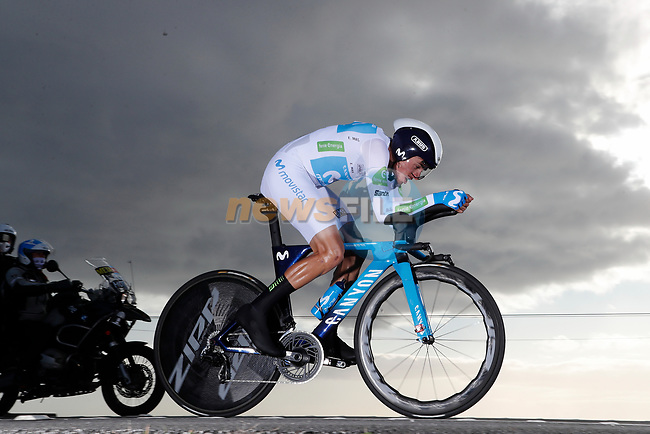 White Jersey Enric Mas (ESP) Movistar Team in action during Stage 13 of the Vuelta Espana 2020 an individual time trial running 33.7km from Muros to Mirador de Ézaro. Dumbría, Spain. 3rd November 2020. <br /> Picture: Luis Angel Gomez/PhotoSportGomez | Cyclefile<br /> <br /> All photos usage must carry mandatory copyright credit (© Cyclefile | Luis Angel Gomez/PhotoSportGomez)
