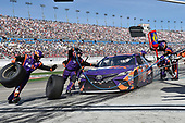 2017 Monster Energy NASCAR Cup Series - Kobalt 400<br /> Las Vegas Motor Speedway - Las Vegas, NV USA<br /> Sunday 12 March 2017<br /> Denny Hamlin, FedEx Office Toyota Camry pit stop<br /> World Copyright: Nigel Kinrade/LAT Images<br /> ref: Digital Image 17LAS1nk07295