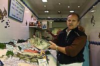 Europe/France/Provence-Alpes-Côte d'Azur/06/Alpes-Maritimes/Antibes: Thierry Neige, Poissonnerie: Maguy et Thierry [Non destiné à un usage publicitaire - Not intended for an advertising use]