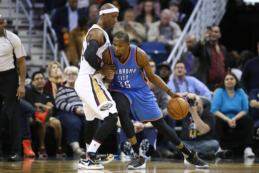 Oklahoma City Thunder forward Kevin Durant (35) drives against New Orleans Pelicans forward Dante Cunningham (44) during the first half of an NBA basketball game Thursday, Feb. 25, 2016, in New Orleans. (AP Photo/Jonathan Bachman)