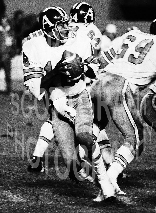 Chuck Ealey Toronto Argonauts Quarterback 1976 Copyright photograph Scott Grant