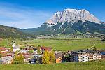 Austria, Tyrol, Lermoos: with village church, at background village Ehrwald and Zugspitze mountains | Oesterreich, Tirol, Lermoos: mit Dorfkirche, im Hintergrund Ehrwald vorm Zugspitzmassiv
