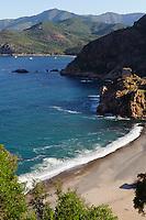 Stand und Genuesenturm in Porto, Korsika, Frankreich