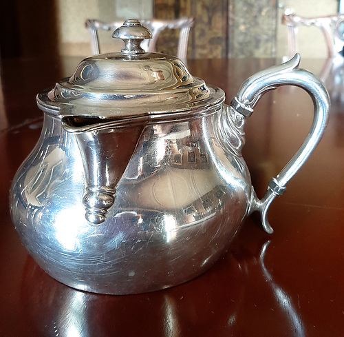 The broad-based seagoing teapot, hallmarked Dublin silver from 1833, is believed to have been carried aboard Corsair on her Italian cruise