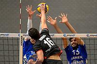 27-02-2021: Volleybal: Amysoft Lycurgus v Computerplan VCN: Groningen VCN  speler  Matthew Immers slaat de bal over het blok