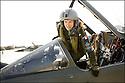 -Mai 2008- Base de Reims- Capitaine Virginie Guyot retour de mission dans son Mirage F1. Première femme à être admise dans la patrouille de France.