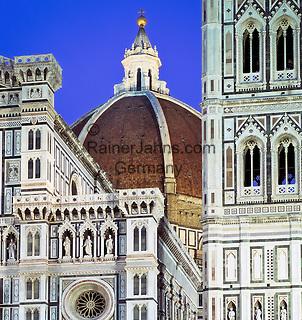 Italy, Tuscany, Florence: Duomo at Night   Italien, Toskana, Florenz: Duomo bei Nacht