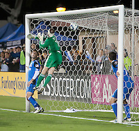 SANTA CLARA, CA – OCTOBER 16: San Jose Earthquake goalie Jon Busch (18) during a soccer match at Buck Shaw Stadium, October 16, 2010 in Santa Clara, California. Final score San Jose Earthquakes 0, Houston Dynamo 1.