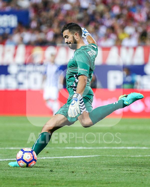 Deportivo Alaves's Fernando Pacheco during the match of La Liga Santander between Atletico de Madrid and Deportivo Alaves at Vicente Calderon Stadium. August 21, 2016. (ALTERPHOTOS/Rodrigo Jimenez)