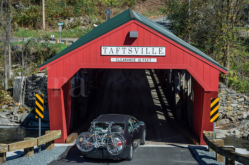 Taftville covered bridge, Vermont, USA