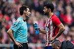 Referee Ricardo de Burgos Bengoechea speaks to Diego Costa of Atletico de Madrid during the La Liga 2017-18 match between Atletico de Madrid and Girona FC at Wanda Metropolitano on 20 January 2018 in Madrid, Spain. Photo by Diego Gonzalez / Power Sport Images