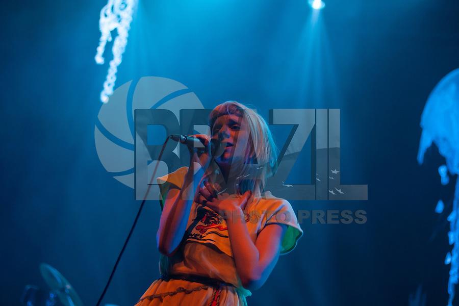 SAO PAULO, SP, 18.05.2019 - SHOW-SP - A cantora Aurora durante apresentação do seu show no Credicard Hall na zona sul de São Paulo na noite deste sábado, 18. <br /> (Foto: Fabricio Bomjardim / Brazil Photo Press)