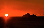 The sun sets behing the Skellig Rocks off South West Kerry where Star Wars was filmed.<br /> Photo: Don MacMonagle Skellig Ring, Kerry Ireland