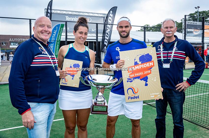 Rosmalen, Netherlands, 15 June, 2019, Tennis, Libema Open, NK Padel, Final Mixed: Rosalie van der Hoek and Uriël Maarsen (NED) winners<br /> Photo: Henk Koster/tennisimages.com