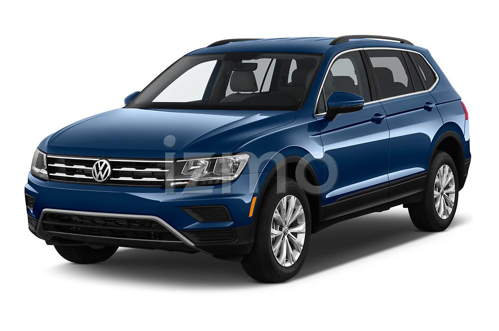 2019 Volkswagen Tiguan SE  5 Door SUV angular front stock photos of front three quarter view