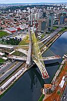 Ponte sobre o Rio Pinheiros. São Paulo. 2007. Foto de Flávio Bacellar