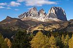 Italy, South Tyrol, Alto Adige, Dolomites, autumn mood, Gruppo Sassolungo mountains