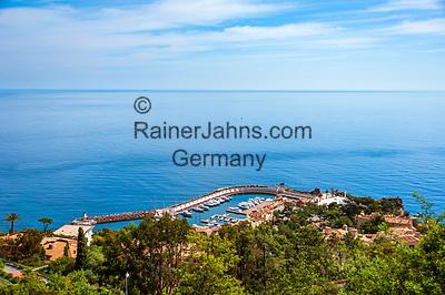 Frankreich, Provence-Alpes-Côte d'Azur, Théoule-sur-Mer: Port La Galère   France, Provence-Alpes-Côte d'Azur, Théoule-sur-Mer: Port La Galère