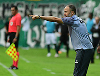 PALMIRA - COLOMBIA, 27-10-2018: Flavio Robatto técnico de Jaguares de Córdoba gesticula durante partido con Deportivo Cali por la fecha 17 de la Liga Águila II 2017 jugado en el estadio Palmaseca de la ciudad de Palmira. / Flavio Robatto coach of Jaguares de Cordoba gestures during a match against Deportivo Cali for the date 17 of the Aguila League II 2017 played at Palmaseca stadium in Palmira city.  Photo: VizzorImage/ Nelson Rios / Cont