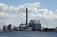 Nederland Amsterdam -  juni 2020. Noordzeekanaal. De haven van Amsterdam. De kolencentrale van Nuon aan de Hemweg. Deze centrale verstookt geen kolen meer. Foto Berlinda van Dam / Hollandse Hoogte