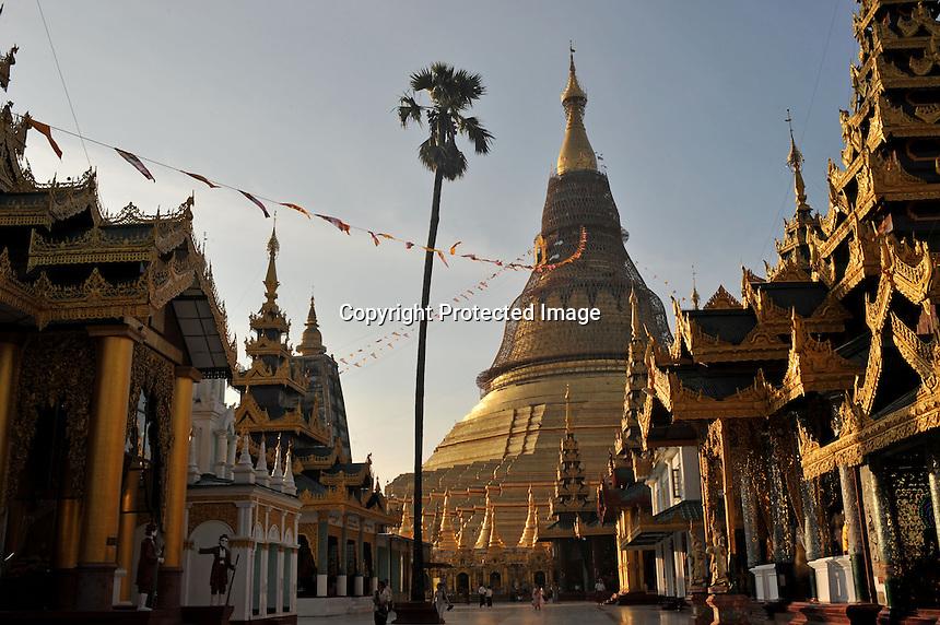 The Shwedegon Pagoda, Rangoon, Burma, Nov 2008.<br /> <br /> Photo by Richard Jones