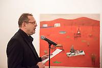 Vernissage zur Ausstellung von Gemaelden des Malers Thomas J. Richter in der Galerie Pankow in Berlin am Dienstag den 8. September 2015.<br /> Im Bild: Christoph Tannert, Kuenstlerhaus Bethanien.<br /> 8.9.2015, Berlin<br /> Copyright: Christian-Ditsch.de<br /> [Inhaltsveraendernde Manipulation des Fotos nur nach ausdruecklicher Genehmigung des Fotografen. Vereinbarungen ueber Abtretung von Persoenlichkeitsrechten/Model Release der abgebildeten Person/Personen liegen nicht vor. NO MODEL RELEASE! Nur fuer Redaktionelle Zwecke. Don't publish without copyright Christian-Ditsch.de, Veroeffentlichung nur mit Fotografennennung, sowie gegen Honorar, MwSt. und Beleg. Konto: I N G - D i B a, IBAN DE58500105175400192269, BIC INGDDEFFXXX, Kontakt: post@christian-ditsch.de<br /> Bei der Bearbeitung der Dateiinformationen darf die Urheberkennzeichnung in den EXIF- und  IPTC-Daten nicht entfernt werden, diese sind in digitalen Medien nach §95c UrhG rechtlich geschuetzt. Der Urhebervermerk wird gemaess §13 UrhG verlangt.]