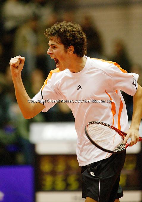 17-12-06,Rotterdam, Tennis Masters 2006, Robin Haase  schreeuwt het uit na zijn overwinning op Raemon Sluiter