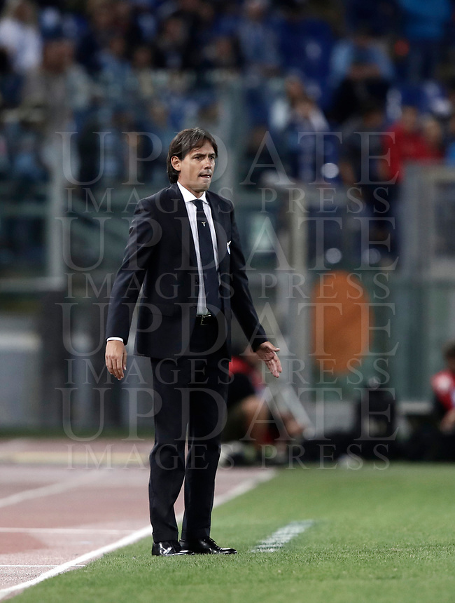 Calcio, Serie A: Roma, stadio Olimpico, 20 settembre 2017.<br /> Lazio's coach Simone Inzaghi speaks to his players during the Italian Serie A football match between Lazio and Napoli at Rome's Olympic stadium, September 20, 2017.<br /> UPDATE IMAGES PRESS/Isabella Bonotto